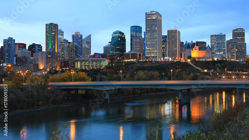 Spoed Foto op Canvas Canada Edmonton, Canada city center at night with reflections on river