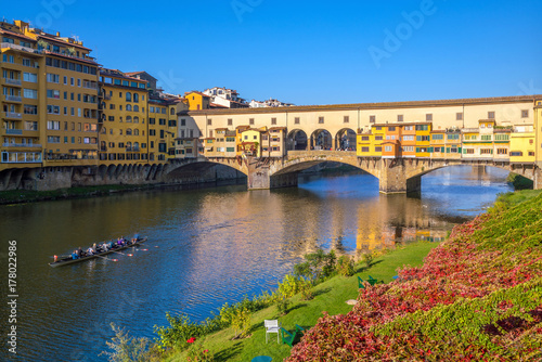 Aluminium Prints Florence Ponte Vecchio over the Arno River in Florence
