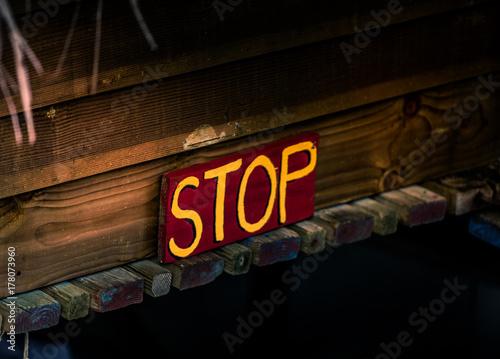 Photo Stands Vintage Poster PANNEAU STOP EN BOIS