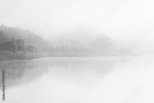 Poster Blanc Black and White fine art lake with fog