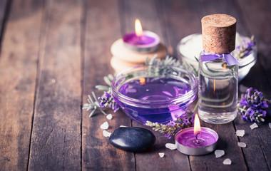 Zestaw spa z lawendowym olejem aromaterapeutycznym