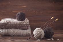 Tweed Wool Yarn With Wooden Kn...