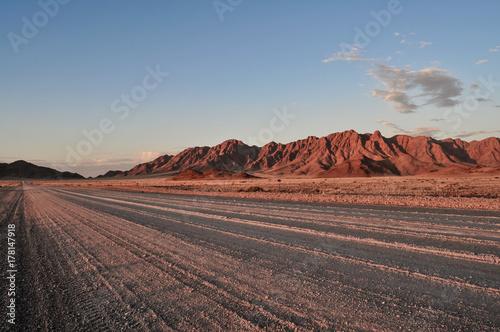 Zdjęcie XXL Pustynna droga o zmierzchu