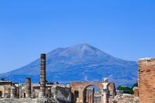 Pompeii, Italy, Foro Di Pompei With Mount Vesuvius In Background