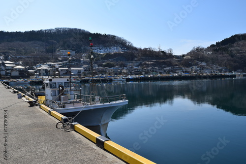 漁港に停泊中の漁船 Poster