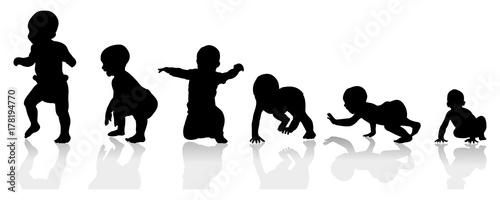 Fototapeta baby growing steps illustration from crawling to walking obraz