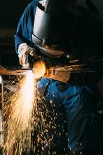 Plasma Cutting Metal Worker