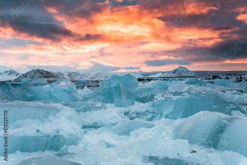 Fényképezés  Lody Arktyki w ostatnich promieniach słońca