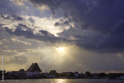Foto  Chao Phraya river, sunset