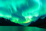 Fototapeta Krajobraz - Northern lights in Tromsø, Norway