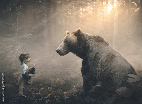 Fotografie, Obraz Little girl and bear