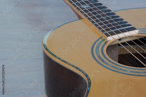 Fototapeta Szczegóły zachodniej gitara jasnobrązowa