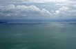 Luftaufnahme des Bodensees an einem bewölkten Sommertag