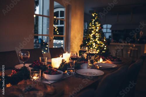 Fotografía  Dining table set for Christmas dinner