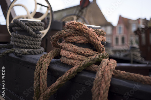 Keuken foto achterwand Schip Old Dutch ship in Leiden harbor