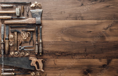 Fotografia  Collection of vintage woodworking tools