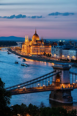 Fototapeta na wymiar Budapest City at Dusk with Chain Bridge and Hungarian Parliament Building