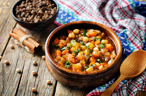 Moroccan spicy green lentils chickpea soup