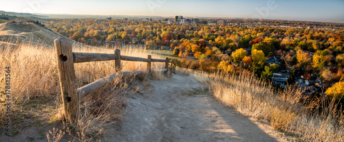 obraz PCV Foot path leads through the foothills over Boise Idaho in the fall