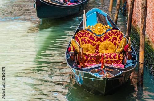 Spoed Foto op Canvas Gondolas Classic Venetian Gondola