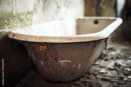 L arte del riciclo come riutilizzare le vecchie vasche da bagno