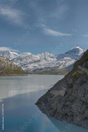 Cuadros en Lienzo beautiful view of the mountain peak with snow