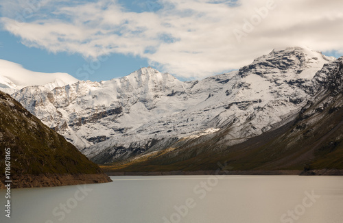 Fotomural beautiful view of the mountains with snow