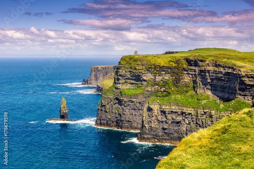 Fototapeta Cliffs of Moher Klippen Irland Reise Meer Tourismus Natur Ozean obraz