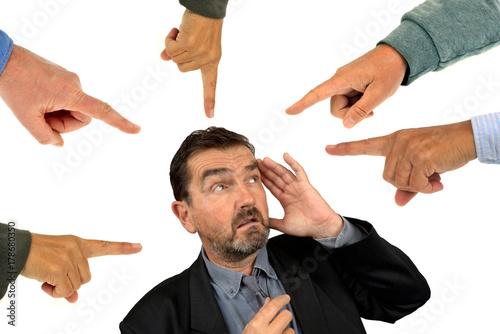 Photo L'homme pointé du doigt