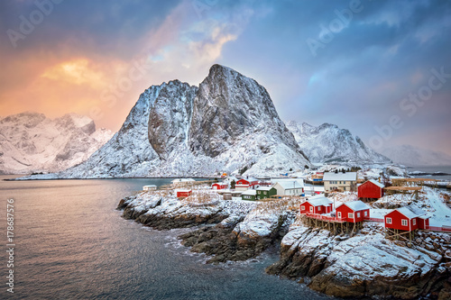 Deurstickers Scandinavië Hamnoy fishing village on Lofoten Islands, Norway