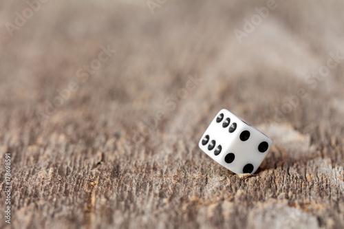White cubic dice Obraz na płótnie