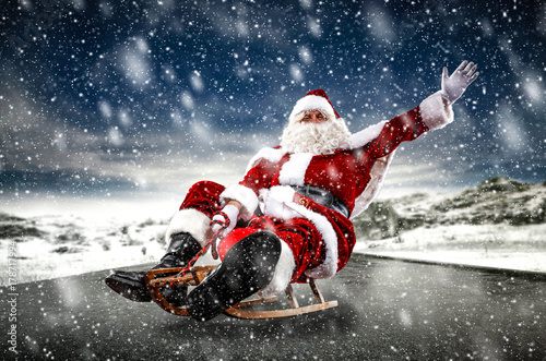 Photo  santa claus and winter time