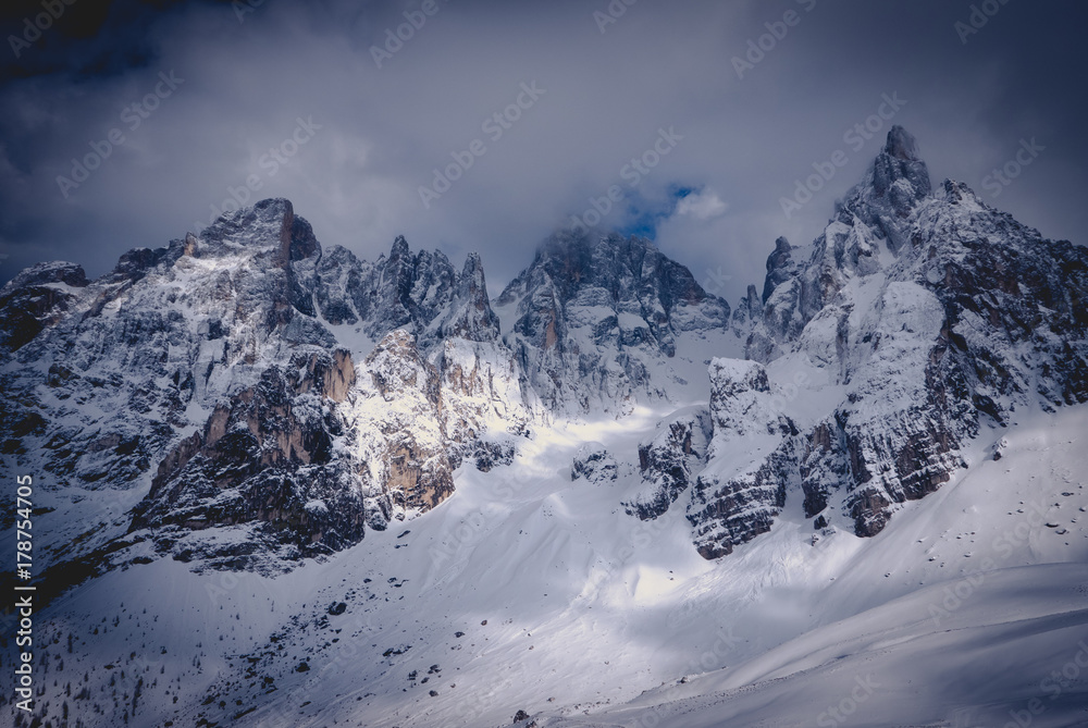 Fototapety, obrazy: Beauty in nature, winter illuminated mountain range