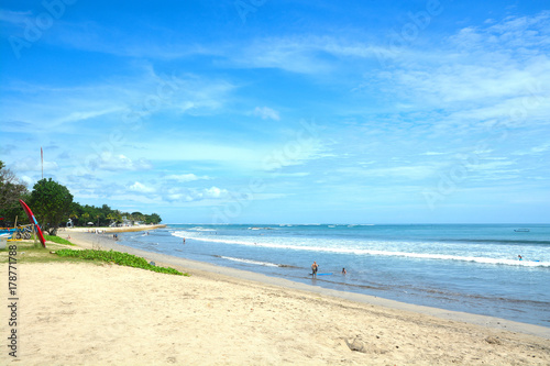 Foto auf Acrylglas Tropical strand Kuta Beach in Bali, Indonesia. Famous beach with blue skies and white sands.