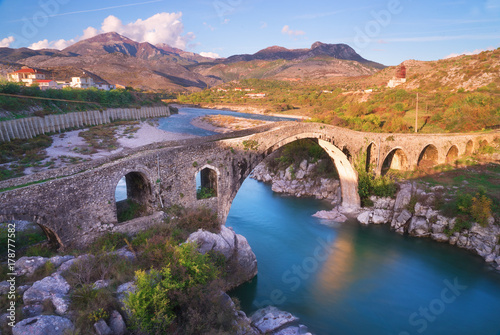 Deurstickers Oost Europa The Old Mes Bridge in Shkoder, Albania