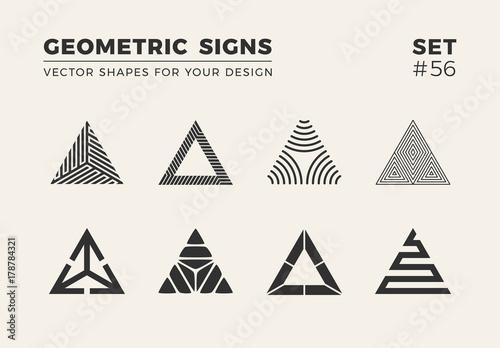 Fotografia Set of eight minimalistic trendy shapes