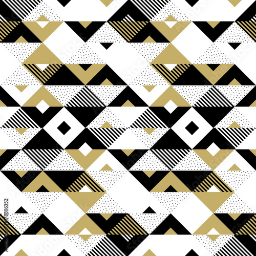 Valokuva  Triangle geometric abstract golden seamless pattern