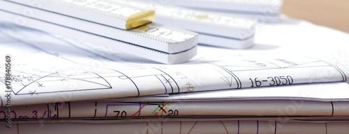 Plan mit Zollstock, Architekt