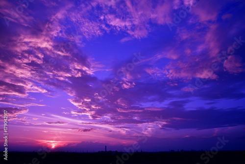Poster Prune 雨上がりの幻想的な夕景