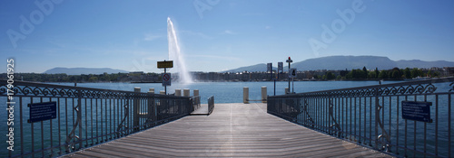 Fotografia Rotonde - bord du lac Genève