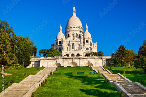 Photo  Basilica Sacre Coeur in Montmartre in Paris, France