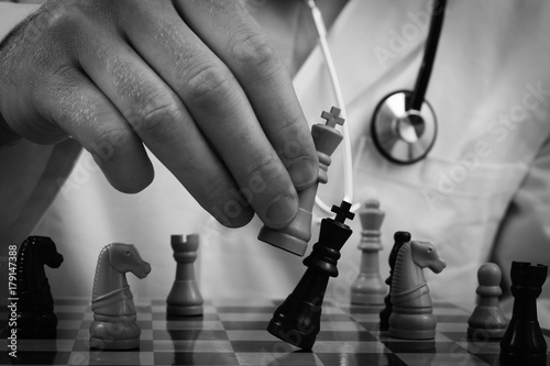 Poster Rouge, noir, blanc Doctor Chess