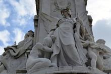 Victoria Memorial In London