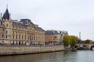 Fototapeta na wymiar Streets of Paris