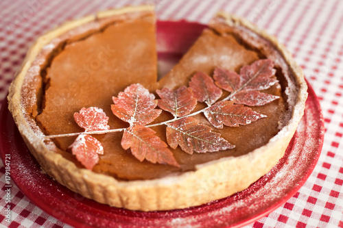 Zdjęcie XXL Tradycyjne domowe ciasto z dyni na Święto Dziękczynienia
