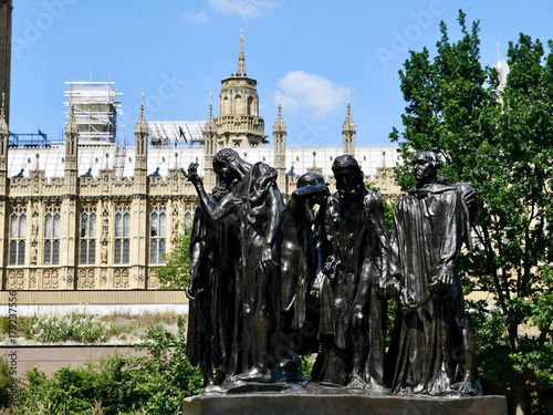 Photo Les Bourgeois De Calais, sculpture de Auguste Rodin, Westminster, Victoria Tower