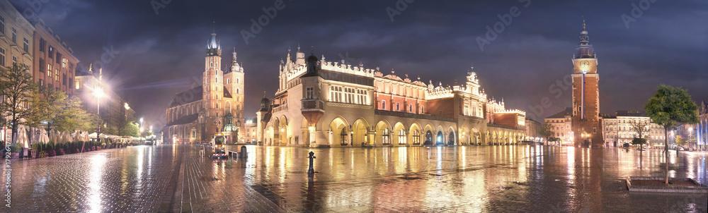 Fototapety, obrazy: Krakow rainy autumn