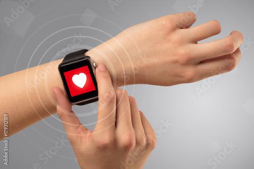 Plakat Ręka z koncepcji smartwach i helath