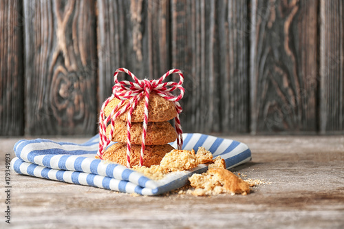 Aluminium Prints Picnic Delicious oatmeal cookies on wooden table