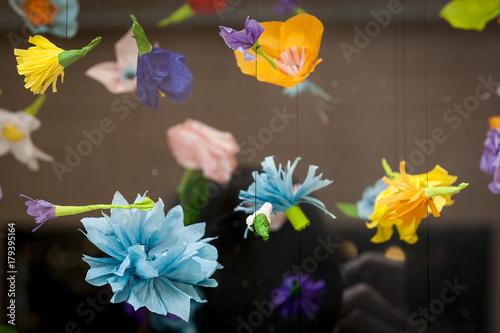 Suspension de fleurs en papier Wallpaper Mural